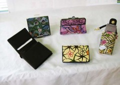 Purses and vallets made of bingata are popular suvenirs from Okinawa.