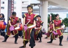 A youth group performs Eisa at Hai Sai Market.