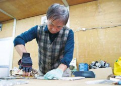 Artist Akira Miyagi's work on a project requires technical skills and knowledge.