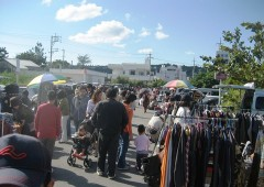Besides offering people a venue to get rid of their unwanted stuff, Sunday's Ishikawa flea Market aims to increase people's civic consciousness.