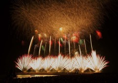 10,000 fireworks will lit the skies over Ginowan Tropical Beach on Saturday at the annual Ryukyu Kaiensai event.