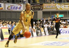 Anthony McHenry was the first one to renew his contract with the Rytukyu Golden Kings.