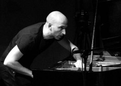 Johann Bourquenez proves that it's possible to play piano in many ways to create first class jazz..