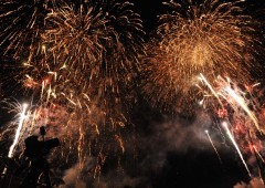 Some 10,000 fireworks will lit the skies at Okinawa's largest fireworks festival in Motobu's Expo Park on Saturday.