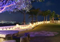 The night-view over Awase area from the spacious garden of Grand Blue is breath-taking.
