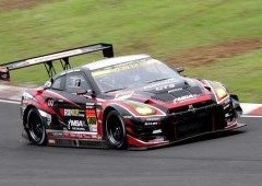 Team Run Up Sports showcases its GTR GT3 racing cars.