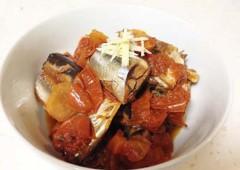 Pacific saury (samma) and tomato.