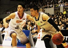 Narito Namizato completed a hard day's work with six points and six rebounds on Saturday, and then went on to score 11 points on Sunday.