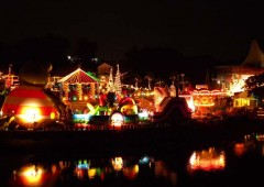 Kodomo-no Kuni, a.k.a. Okinawa Zoo, lights up for Christmas fun every day from Dec. 23 through 28.