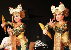Facial impressions, hand movements and body gestures tell the story in Balinese dance.