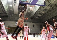 Kibwe Trim scored 12 point in Saturday's effort against Higashimikawa Phoenix that the Kings lost 74-67, but his 13 points on Sunday helped the team to redeem itself and score a 82-63 victory.