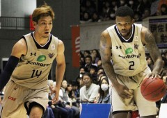 Ryuichi Kishimoto and Draelon Burns showed top form in the TK bj-League All Star Game, Sunday.