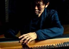 Akira Ishii, piano.