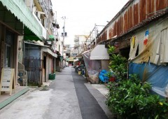 Sakaemachi Market area is full of small sales stands and shops along its alleys.