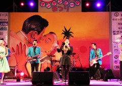 Naha club Gold Disc in-house band Dynamites belts out 50's and 60's tunes in the evening of the beach party.