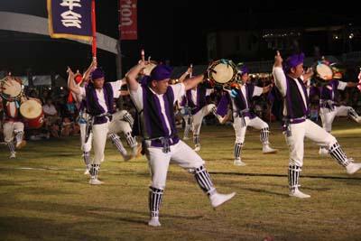Local Junior Chamber members perform Eisa.