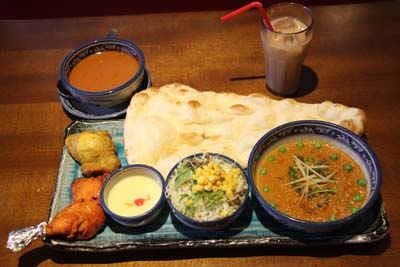 A ¥1,100 lunch offers plenty to eat even for a really hungry person.