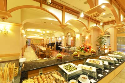 Marriott lunch buffet is surely one of the most sumptuous anywhere on the island.