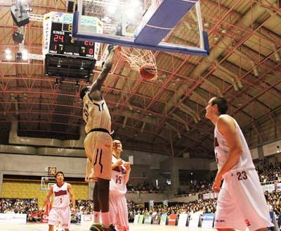 Evan Ravenel dunks one of his 12 points.