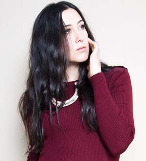 Platinum-selling Vanessa Carlton takes the stage on Saturday at 20:00.