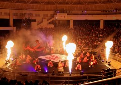 Ryujin-no Utage is staged in Ishikawa Dome at the center of the venue with audience watching from all sides. The show plays on two nights and features many spectacular effects.