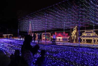 Christmas Fantasy at Okinawa Kodomo-no Kuni boasts some of the best illumination displays on the island.