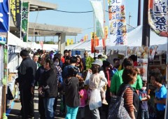 Okinawa City Business Fair has always been popular and attracts big crowds.