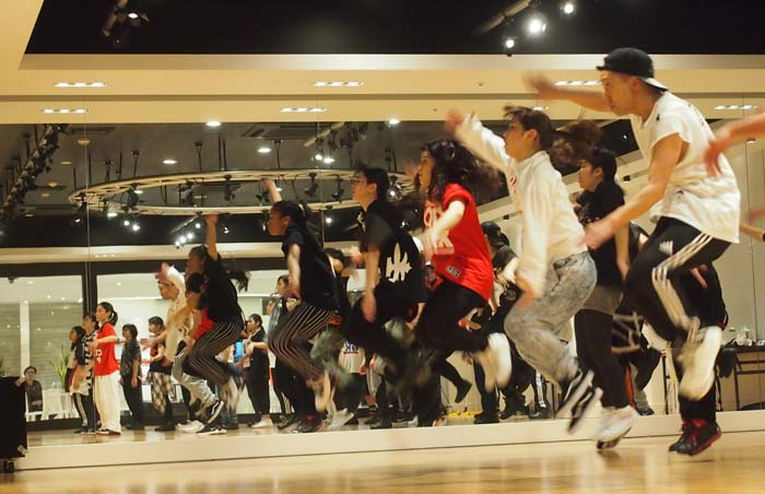 EXILE Professional Gym trains young street dance performers and singers, and has now studios in nine locations including Okinawa.