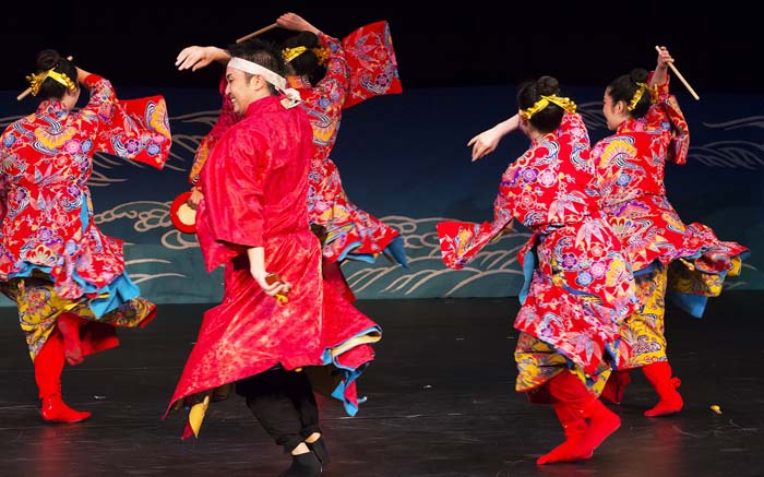 Okinawa San San musical has won high accolades overseas for its joyful performance and colorful staging.