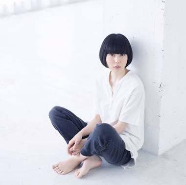 Singer-song writer Yasuha Kominami.