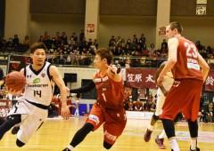Ryuichi Kishimoto on offense.
