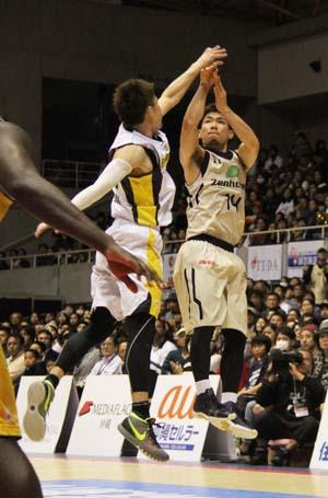 Ryuichi Kishimoto shot 19 points.