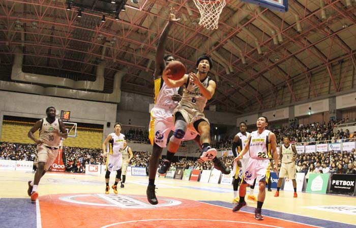 Shigeyuki Kinjo put in a day's work with 8 points.