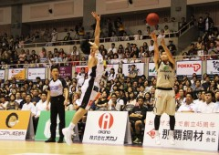 Ryuichi Kishimoto aiming at the hoop on Sunday.