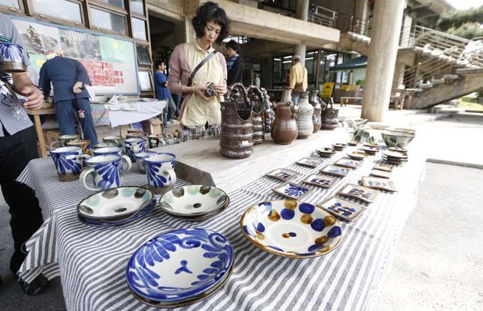 Besides being famous for its basofu textiles, Ogimi has a vibrant pottery community.