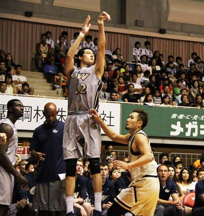 Yuta Watanabe, the Japanese member of the Colonials, said playing in Okinawa was exciting.
