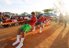 The Ogimi tug-of-war is a real contest that has participants coming from near and far for the first prize, a live goat.