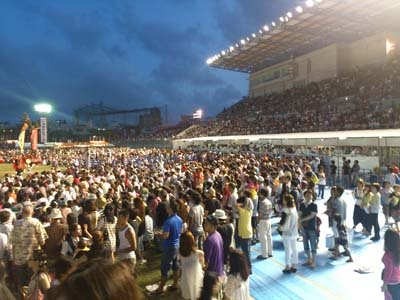 The All Okinawa Eisa Festival attracts thousands of people to Okinawa Athletic Park to watch on both days.