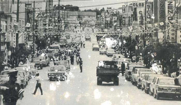 Today's Chuo Park Avenue was this wide and busy in the 60's.