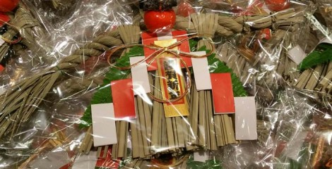 During the New Year holidays almost every house has a shimenawa hanging at the door.
