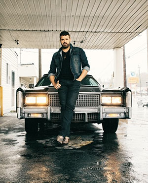 Randy Houser entertains on Saturday and Sunday.