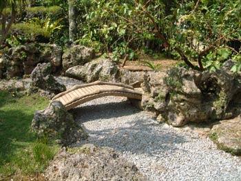 http://www.japanupdate.com/stories/img/20021003Nakamurake:%20The%20Nakamura%20House%202.jpg